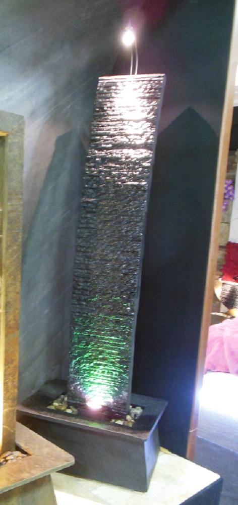 fontana pillar nera 40x60x180 cm